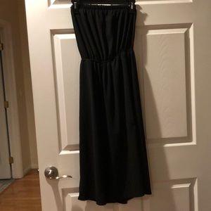 Dresses & Skirts - Black strapless romper Size Small